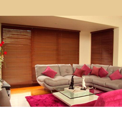 persiana-horizontal-de-madera-en-maron